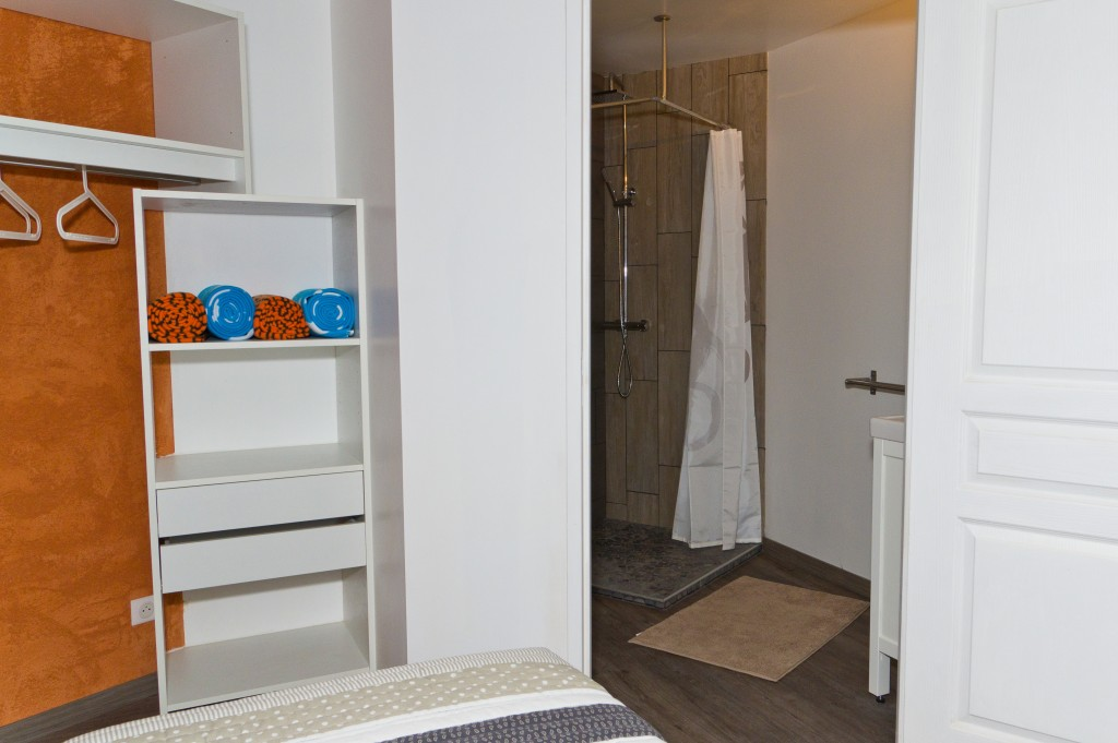 Chambre n°1 avec 2 lits simples et salle d\'eau privative – Rdc   Le ...